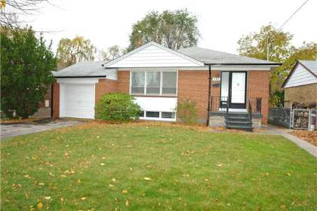 - Renforth Dr - W1736051