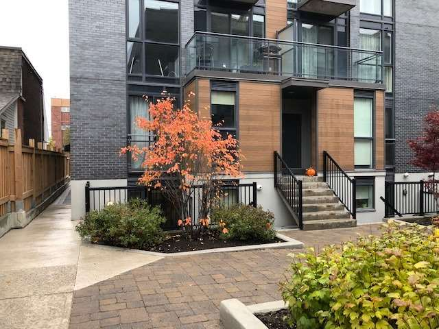 - Wallace Ave - W4297245