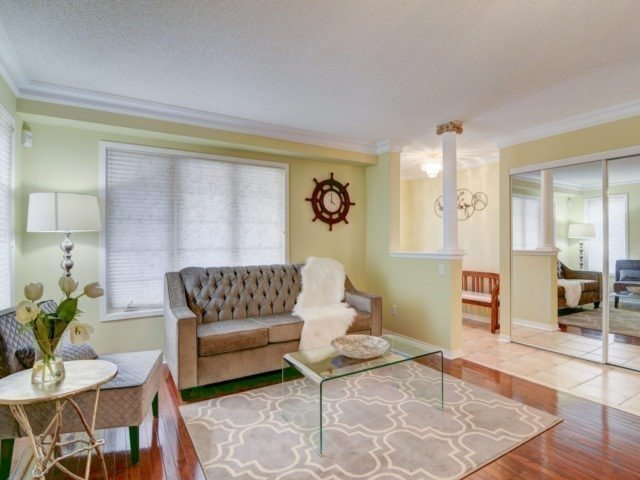 - Bluewater Cres - W3774360