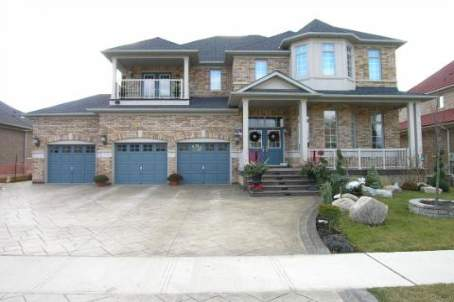 - Valleycreek Dr - W1042539