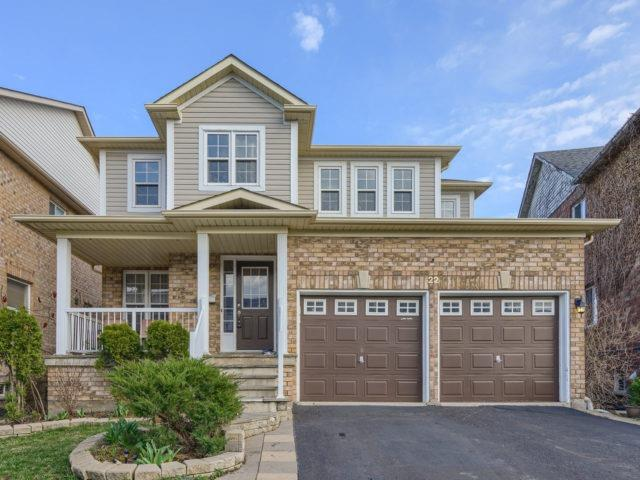 - Valleypark Cres - W3765600