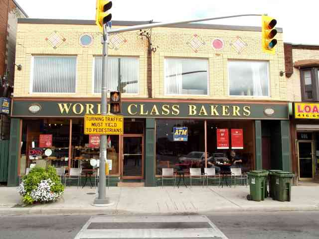 - St Clair Ave W - C2190630