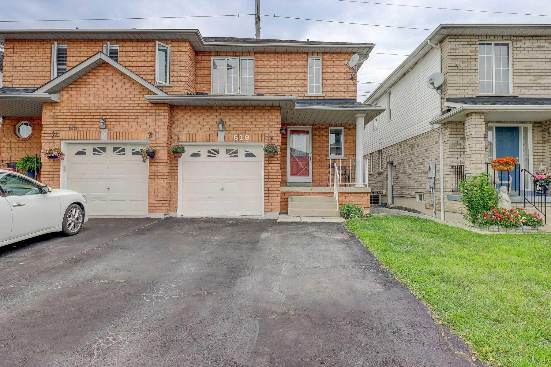 618 Amaretto Ave - E4896694 - $765,000