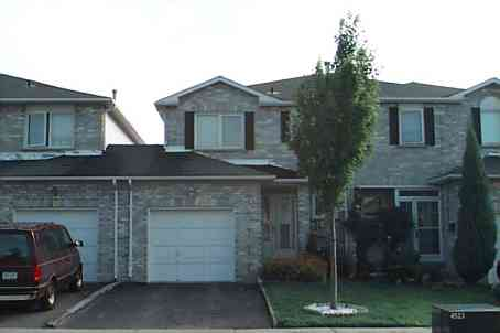 - Thorntree Cres - W1049699