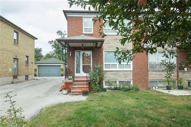 - Lawrence Ave - W3943749