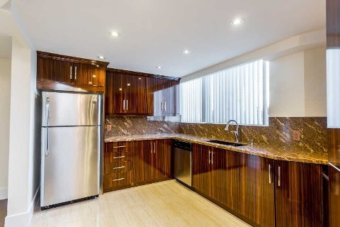 - Kaneff Cres - W3057776