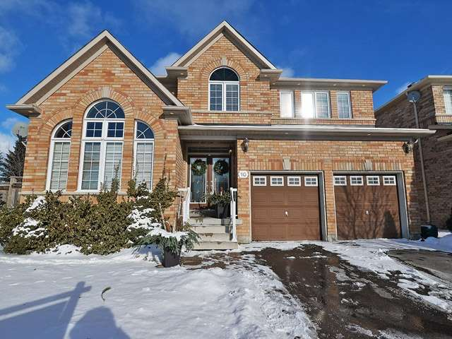 - Courtsfield Cres - W3393934