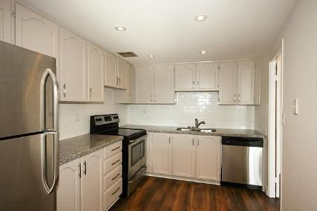 - Fisherville Rd - C2667950