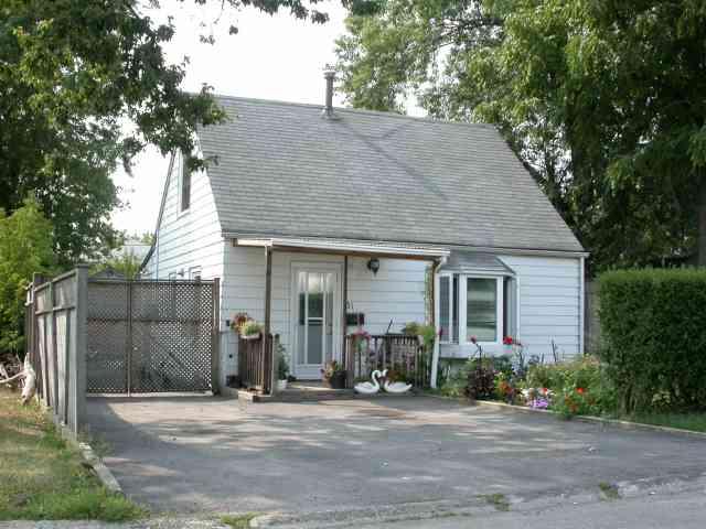 - Carnation Ave - W1178961