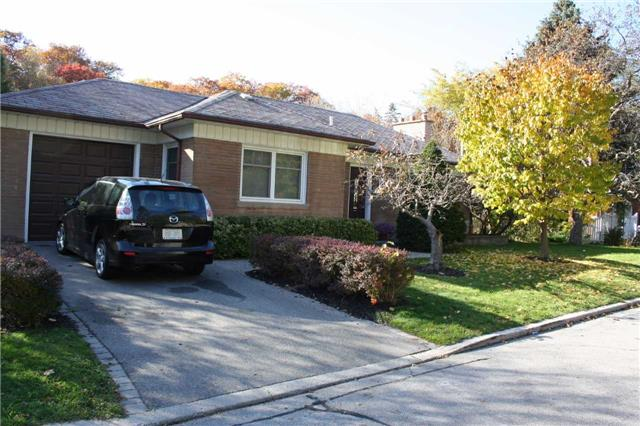 - Easson Ave - W3360984