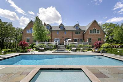 Mansion w Swimming Pool